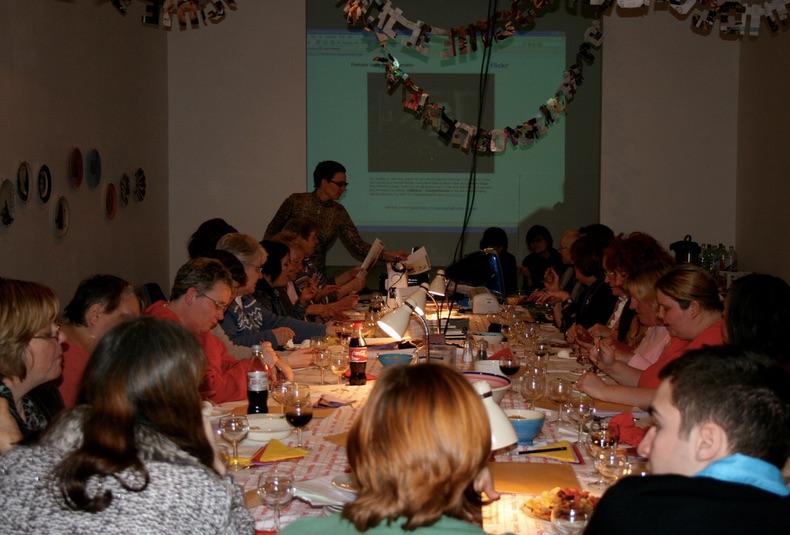 Female_Icons_Dinner
